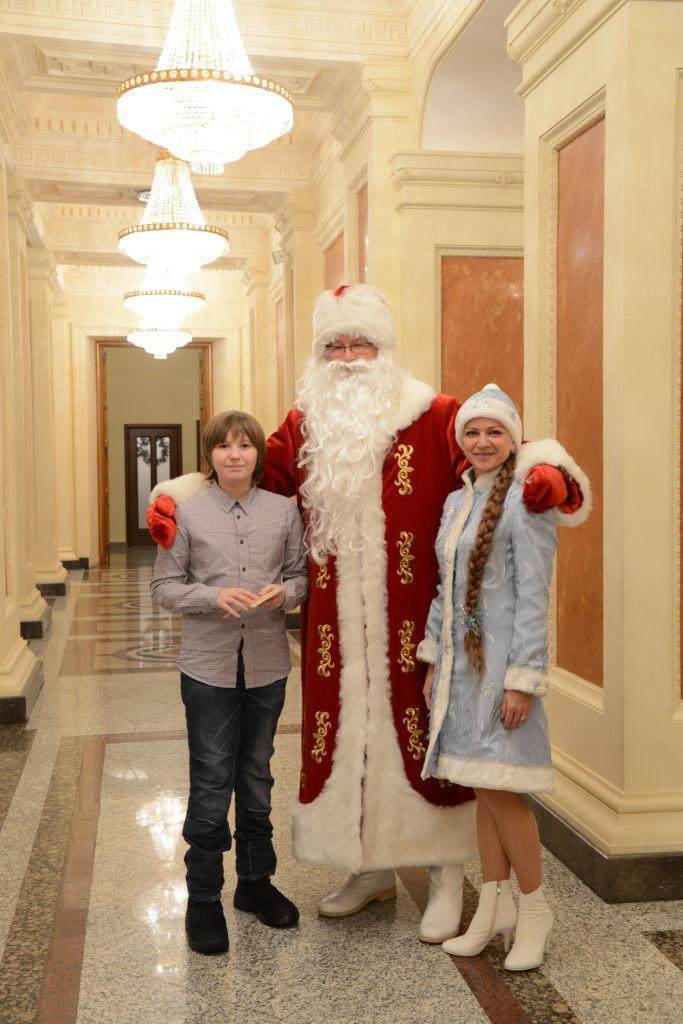 Заказ и вызов Деда Мороза и Снегурочки в Казани